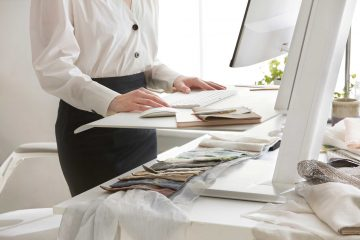 Ofislerde Daha Sağlıklı ve Verimli Çalışma Alanları İçin Monitör Kolları ve Quickstand Çalışma Üniteleri